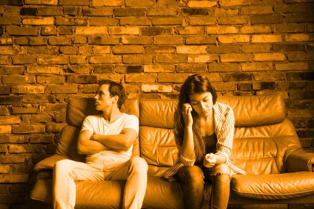 La desconfianza en pareja-psicología